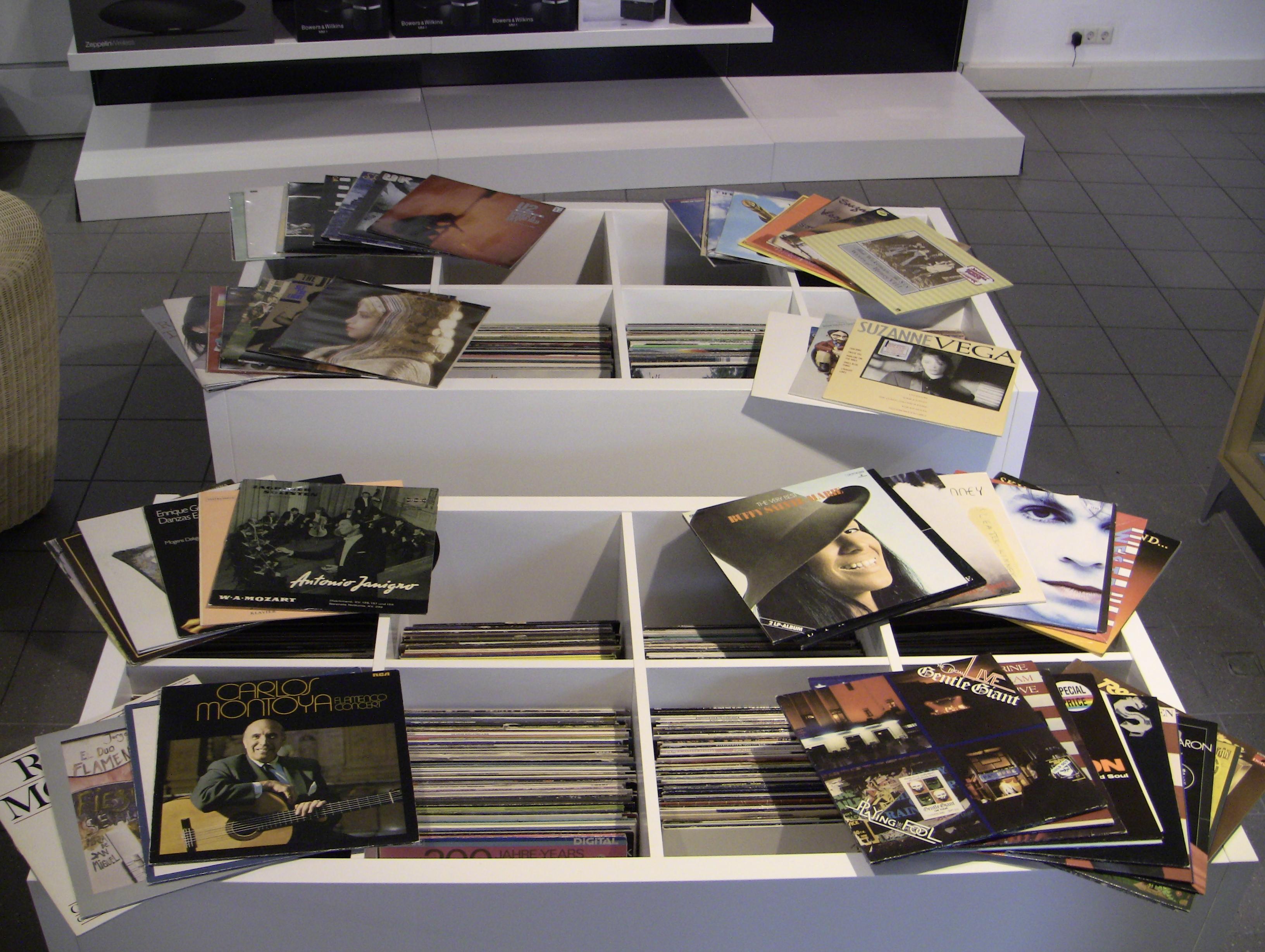 gebrauchte lp s tv hifi studio kemper ulm. Black Bedroom Furniture Sets. Home Design Ideas